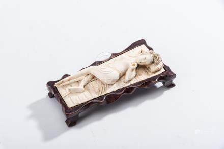 A CHINESE IVORY CARVING OF A DOCTOR'S LADY, EARLY 20TH CENTURY NOT SUITABLE FOR EXPORT carved as a
