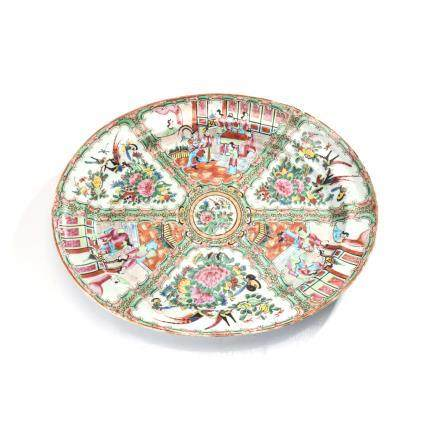 A CHINESE CANTON FAMILLE ROSE 'ROSE MEDALLION' DISH, QING DYNASTY, LATE 19TH CENTURY the oval dish