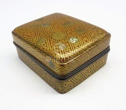 Japanese rectangular lacquer box and cover Edo period (18th-19th Century)decorated in gold hiramaki