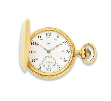 Lip. An 18K gold keyless wind full hunter pocket watch  Circa 1920