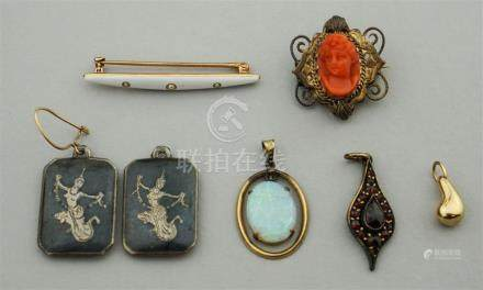 COLLECTION OF UNUSUAL 14K, SILVER AND VINTAGE JEWELRY