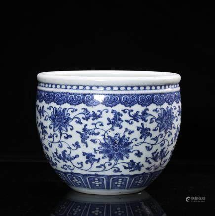 CHINESE BLUE WHITE PORCELAIN PLANTER'S POT