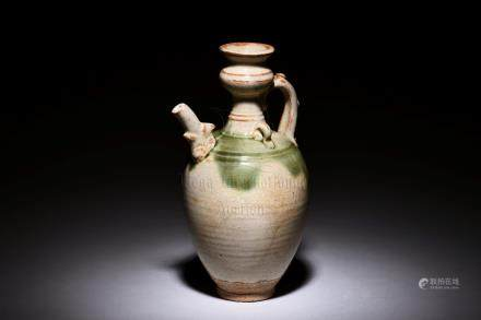 WHITE GLAZED EWER WITH SPLASH OF CELADON