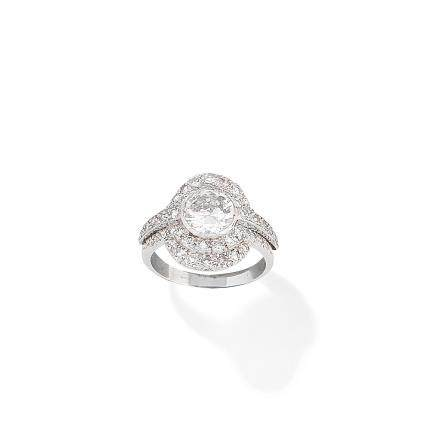 A diamond plaque ring