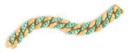 An 18 Karat Yellow Gold and Turquoise Curb Link