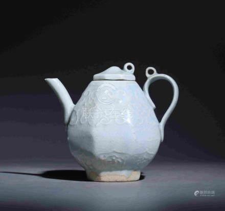 YUAN DYNASTY HUTIAN KILN OCTAHEDRAL TEA POT WITH A