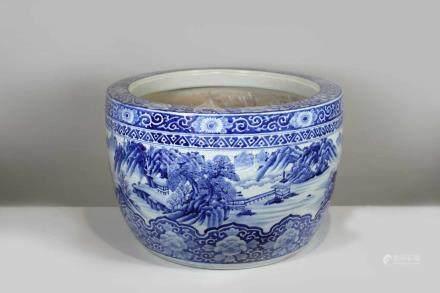 Fishbowl, China 20. Jh., blau-weiß, Landschaftsmotiv gefasst zwischen floralem Dekor, H.: 36 cm,