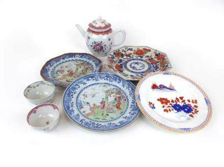 A set of eight 19th century Chinese Export side plates of octagonal form,