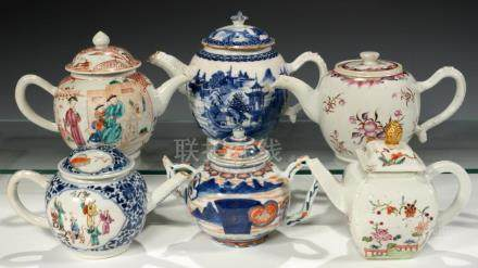 SIX CHINESE EXPORT PORCELAIN FAMILLE ROSE, BLUE AND WHITE AND CHINESE IMARI TEAPOTS AND COVERS,