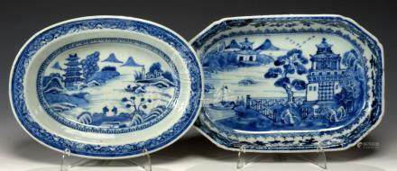 TWO CHINESE EXPORT PORCELAIN BLUE AND WHITE DISHES, C1780-90 painted with landscapes, 25 and 26cm