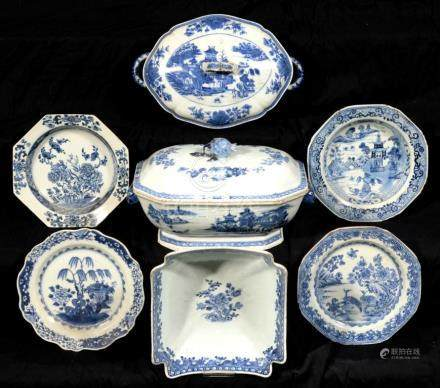 A CHINESE EXPORT PORCELAIN BLUE AND WHITE SOUP TUREEN AND COVER, VEGETABLE DISH AND COVER, SALAD