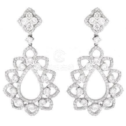 Diamond and 18K Gold Earrings