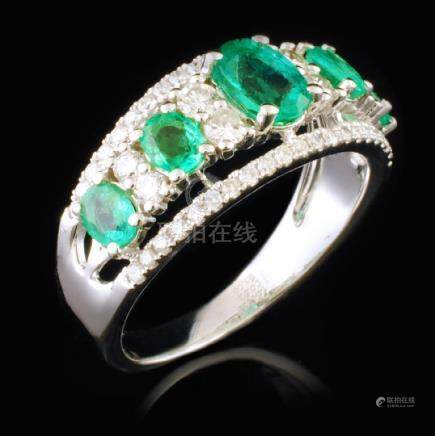 14K White Gold 1.08ct Emerald & 0.25ctw Diamond Ri