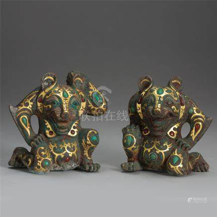 PAIR OF CHINESE GOLD INLAID BRONZE BEAR