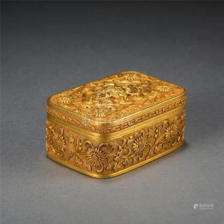 CHINESE PURE GOLD CARVED FLOWER JEWELRY CASE