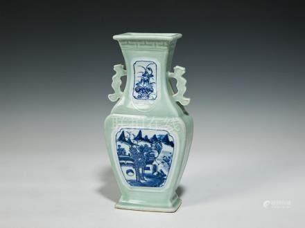 十九世紀 青釉開光青花山水紋雙耳瓶