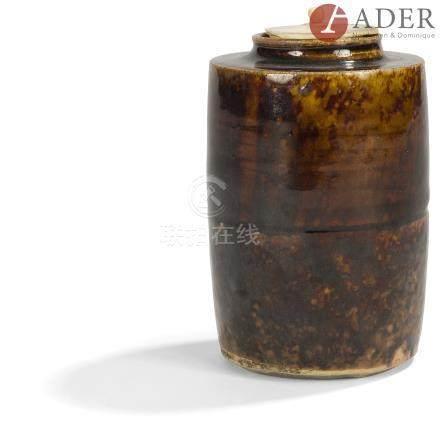JAPON - Époque EDO (1603 - 1868) Chaïre de forme cylindrique en grès émaillé en deux sections. (