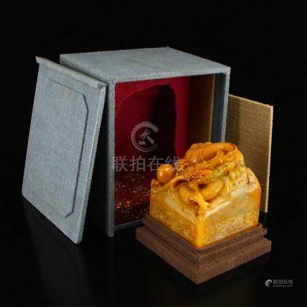 Chinese Qing Dynasty Shoushan Stone Tianhuang Stone Dragon &