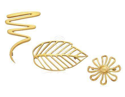 GROUP OF TIFFANY & CO. GOLD BROOCHES