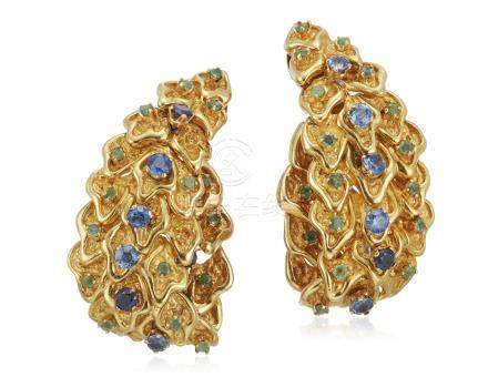 SAPPHIRE, EMERALD AND GOLD EARRINGS