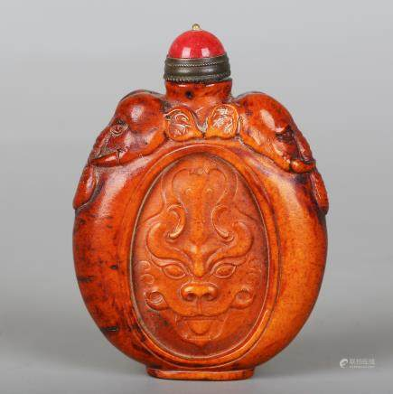 CHINESE CARVED ELEPHANT SNUFF BOTTLE