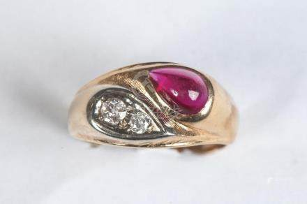 GENTLEMAN'S 14K YELLOW GOLD, DIAMOND, AND SYNTHETIC RUBY RIN