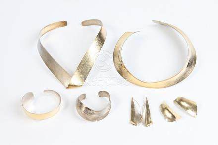 SIX PIECES CONTEMPORARY ARTISTAN-SIGNED STERLING SILVER, AND