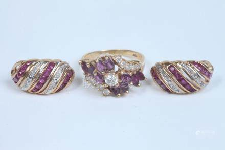 14K YELLOW GOLD, DIAMOND AND RUBY RING WITH PAIR DIAMOND AND