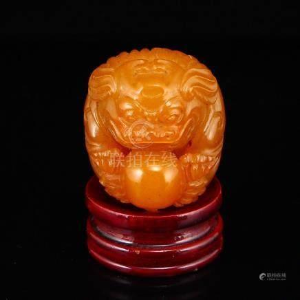 Shoushan Stone Tian Huang Stone Lion & Ball Statue