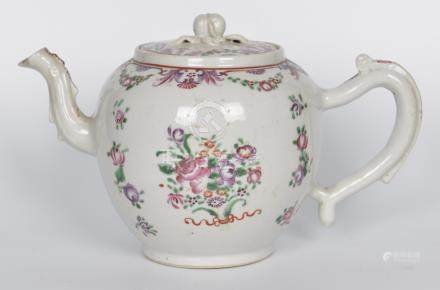清 粉彩花卉茶壶