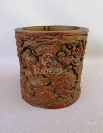 CHINESE QING DYNASTY CARVED BAMBOO BRUSH POT