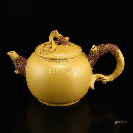 Chinese Yixing Yellow Zisha Clay Teapot w Artist Signed