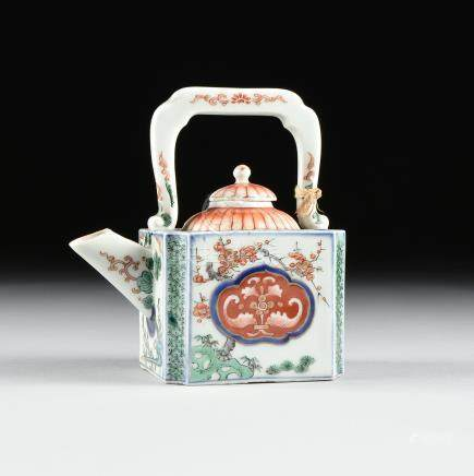 A KO IMARI STYLE SQUARE ENAMELED PORCELAIN TEA POT, JAPANESE, ATTRIBUTED TO THE LATE EDO (1603-1868)