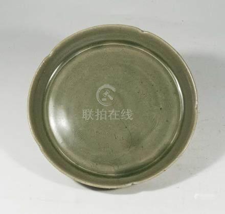 宋代-越窯平底劃花花口盤