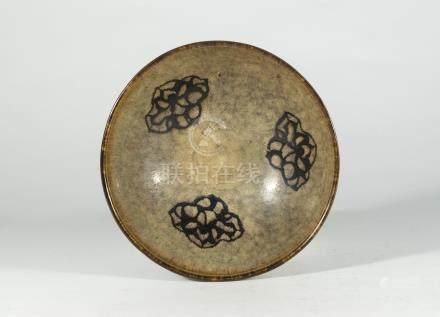 宋代-吉州窯剪紙貼花碗