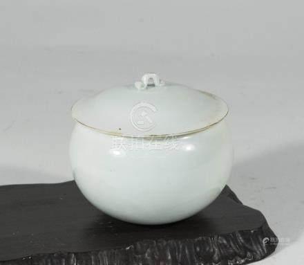 宋代-影青窯帶蓋缽式罐