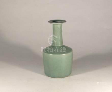 宋代-龍泉窯盤口紙槌瓶