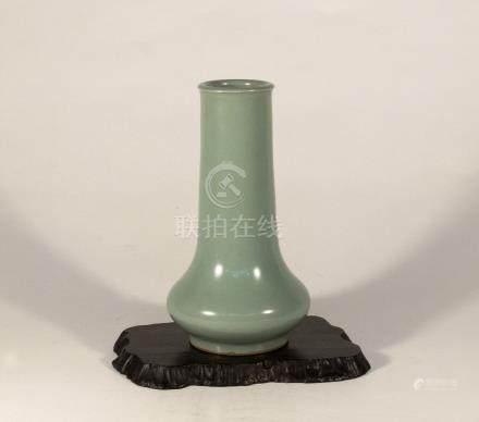 宋代-龍泉窯粉青筒式瓶
