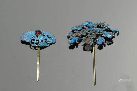 TWO KINGFISHER FEATHER GILT SILVER HAIR ORNAMENTS