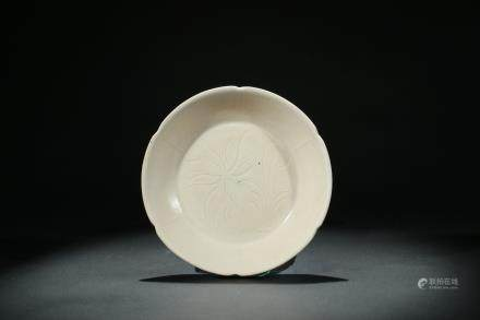 A DING CARVED 'LOTUS' DISH