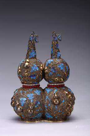 A RARE FILIGREE AND KINGFISHER FEATHER INLAID DOUBLE GOURD VASE