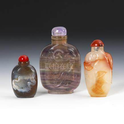 3 Snuffbottles - Achat und Amethystquarz.Three Snuff Bottles made of Agate and Amethyst Quarz,