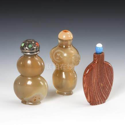 3 Snuffbottles - aus Mineralien.Three Mineral Snuff Bottles - Two of them Agate.2 Stück aus grauem