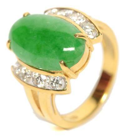 18K黃金鑲天然翡翠鑽石戒指 (附證書)