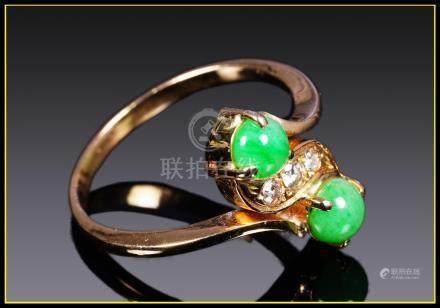 "BAGUE or jaune 14 carats sertie de deux cabochons de jade jadéite ""vert pomme"""