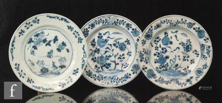 A collection of Chinese Qianlong (1736-1795) period export porcelain blue and white dishes,