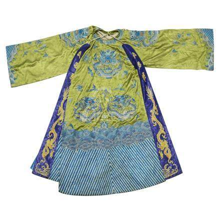 EMBROIDERED SILK 'DRAGON' ROBE20TH CENTURY the front embroidered on a bright apple-green ground with
