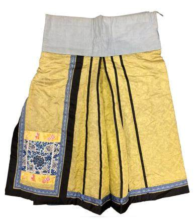 CHINESE EMBROIDERED SILK SKIRT
