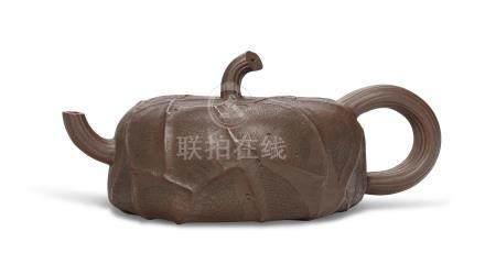 陆文霞及卢剑星制荷叶式扁壶