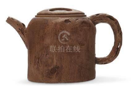 1995年 陆文霞及卢剑星制瘿木壶